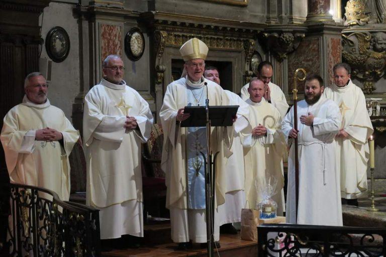 Monseigneur James