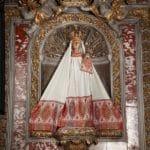 Sainte Vierge de Verdelais - manteau blanc et rouge