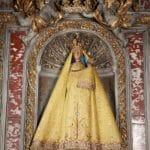 Sainte Vierge de Verdelais - manteau jaune